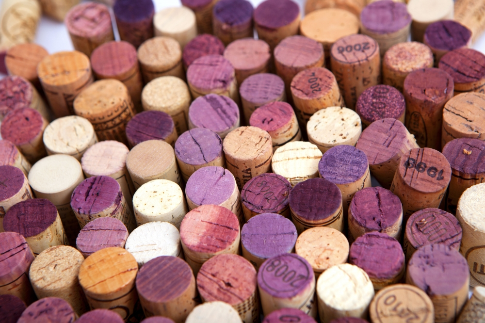 Image for Wine Report - corks v screw tops